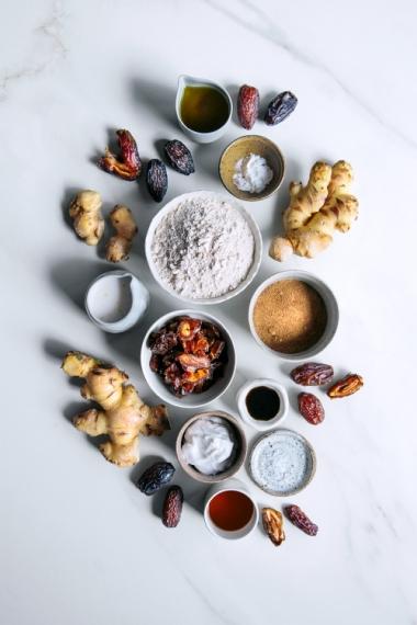 Vegan+Caramel%2C+Date+%26+Fresh+Ginger+Self-Saucing+Pudding++%7C++Gather+%26+Feast