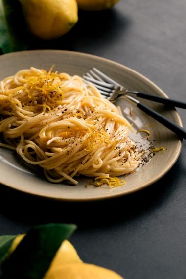 Creamy+Lemon+Spaghetti+with+Olive+Oil+Fried+Lemon+Zest++%7C++Gather+%26+Feast
