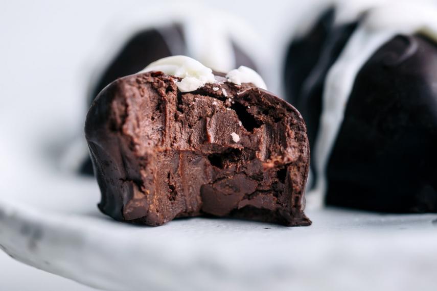Rustic+Hot+Cross+Bun+Chocolate+Truffles++%7C++Gather+%26+Feast