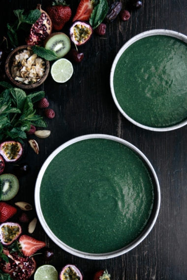 Super+Green+Smoothie+Bowl++%7C++Gather+%26+Feast