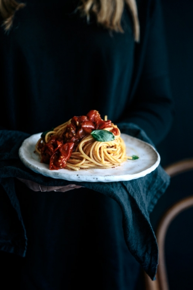 Simple+Roasted+Tomato+%26+Smokey+Chili+Spaghetti++%7C++Gather+%26+Feast