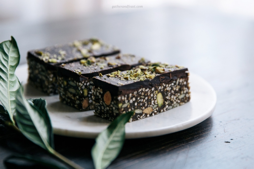 Almond%2C+Pistachio+%26+Quinoa+Dark+Chocolate+Bars++%7C++Gather+%26+Feast