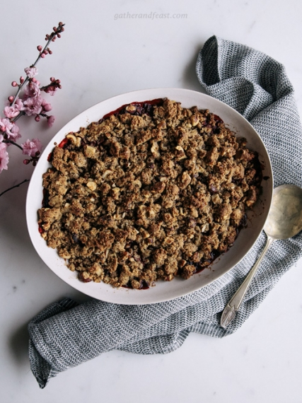 Berry+Buckwheat+%26+Hazelnut+Crumble+with+Fresh+Mint++%7C++Gather+%26+Feast